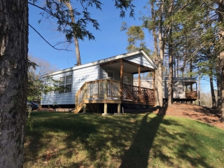 Studio Cottages overlooking Pine Lake